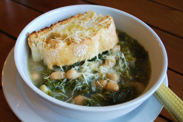 bean and green soup